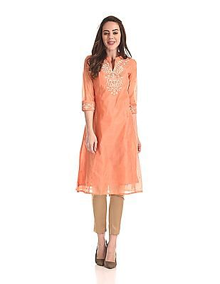 Anahi Embroidered Yoke Mandarin Neck Kurta