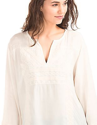GAP Women White Flowy Embroidered Top