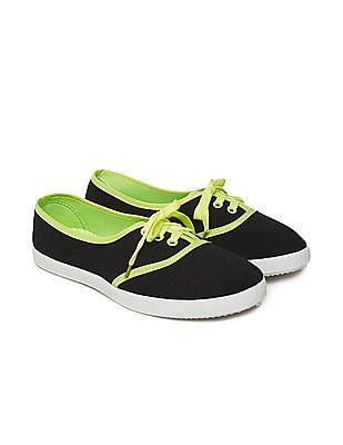 SUGR Contrast Trim Canvas Sneakers