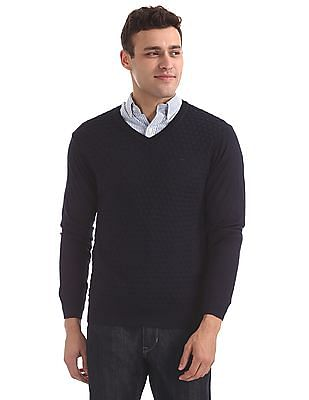 Arrow Patterned Front V-Neck Sweater